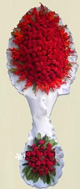 Çift katlı kıpkırmızı düğün açılış çiçeği  Adana anneler günü çiçek yolla