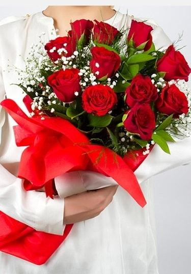 Aşk Gülleri 11 Adet kırmızı gül buketi  Adana çiçekçi telefonları