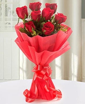 9 adet kırmızı gülden modern buket  Adana İnternetten çiçek siparişi