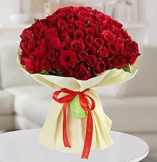 101 adet kırmızı gül buketi koca demet  Adana internetten çiçek siparişi