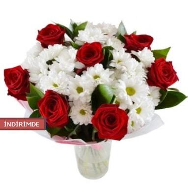7 kırmızı gül ve 1 demet krizantem  Adana çiçek gönderme sitemiz güvenlidir